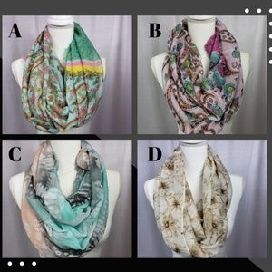 🌺 3 for $25 Lightweight Infinity Scarf